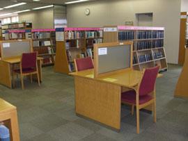 本館2階参考資料室
